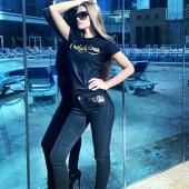 🇫🇷 Changez les règles du jeu  #mode #model #fitnessmodel #modeling #beastmode #modern #modernart #modellife #modelo #fashionmodel #modelling #modelos #girlpower #jekiffemondecollete  #jeans #lingerie #decollete